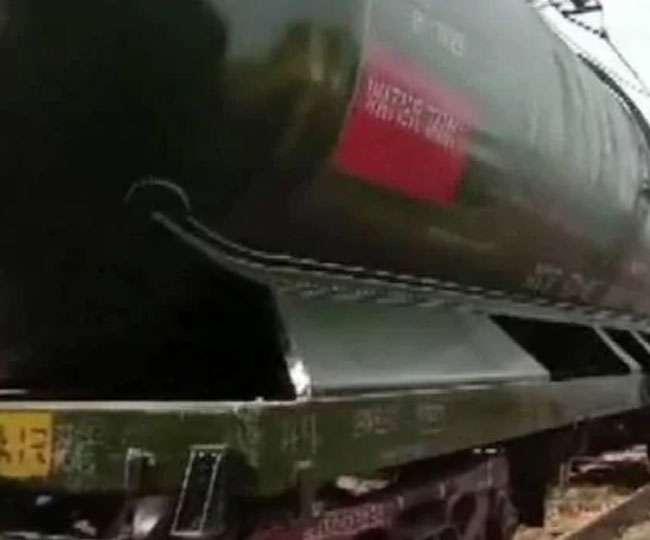 पानी की किल्लत से जूझ रहे चेन्नई वासियों को मिलेगी राहत, वेल्लोर से पानी लेकर पहुंची ट्रेन