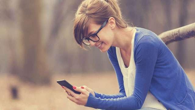 वोडाफोन मात्र 99 रुपये में 28 दिनों के लिए दे रहा अनलिमिटेड कॉलिंग, जियो और एयरटेल से पढ़ें तुलना
