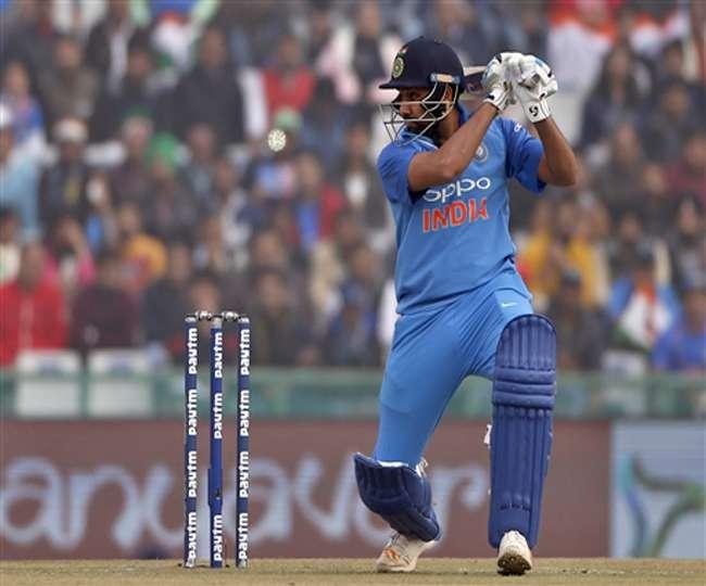 Live Ind vs SL: रोहित शर्मा ने जमाई सेंचुरी, टीम इंडिया का स्कोर 250 रन के करीब