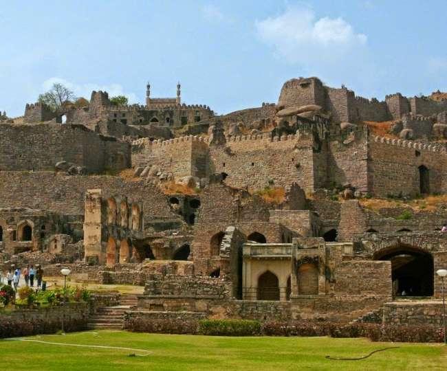 देश के सबसे बड़े और सुरक्षित किलों में शामिल गोलकोंडा को देखे बगैर अधूरी है हैदराबाद की यात्रा