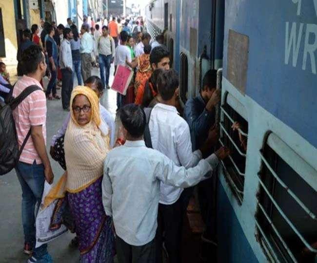 रेलवे के नए टाइम टेबल में लेटलतीफी व स्टेशनों पर भीड़ कम करने खास जोर