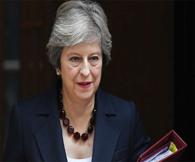 ब्रेक्जिट पर ब्रिटिश पीएम टेरीजा मे को लगा झटका