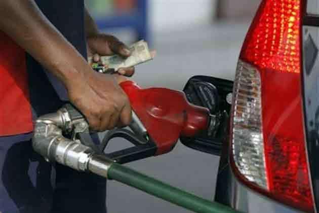 पेट्रोल हुआ महंगा-डीजल के नहीं बदले दाम, जानें आपके शहर में क्या रही कीमत