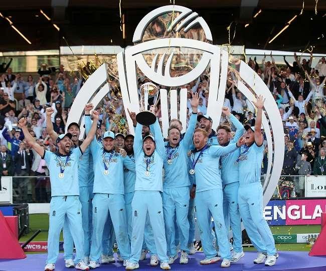इस वजह से वर्ल्ड कप जीतने का जश्न छोड़ किनारे हो गए इंग्लैंड के ये 2 खिलाड़ी