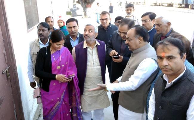रेलवे स्टेशन की व्यवस्थाएं करें दुरुस्त: रमेश चंद्र रत्न