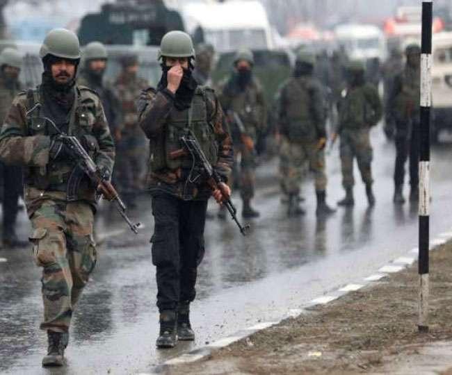 Pulwama Terror Attack: हिरासत में 7 संदिग्ध, हमले की योजना में शामिल होने का शक