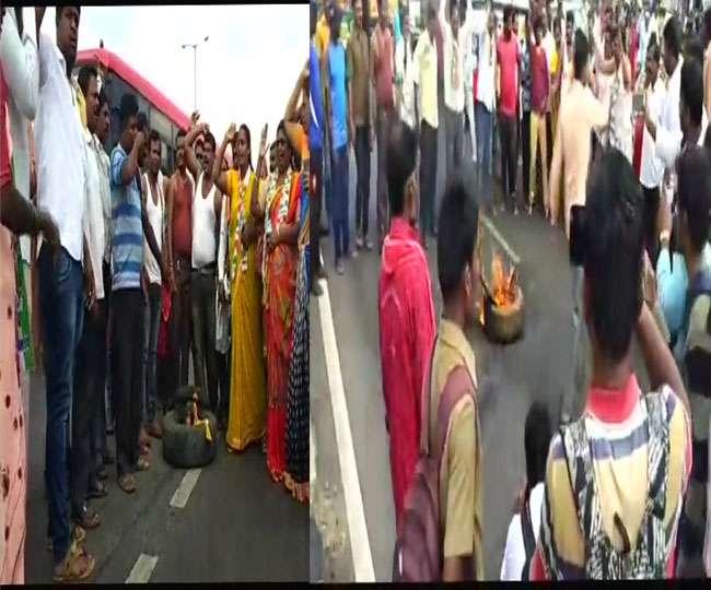 कर्नाटक कांग्रेस में जमकर बवाल, सड़क पर उतरे लोग; पार्टी कार्यालय में तोड़फोड़