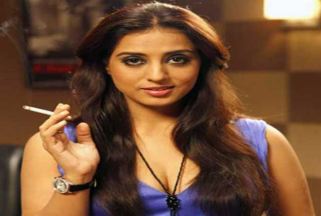 is bollywood actress mahie gill pregnant