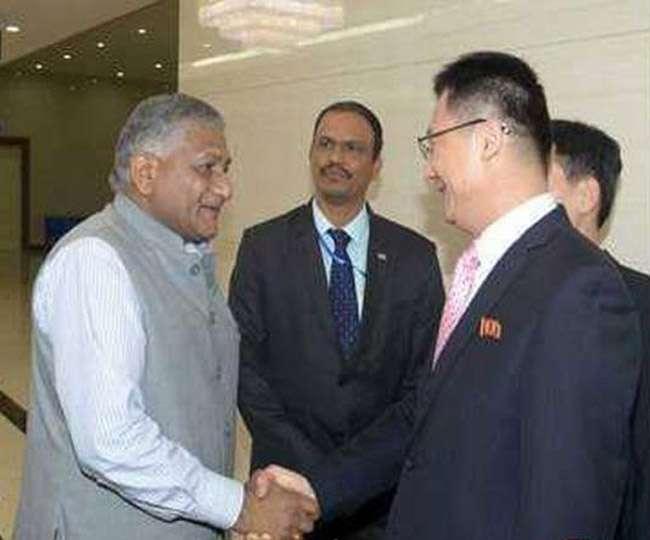 वीके सिंह पहुंचे उत्तर कोरिया, 20 साल में भारत के किसी मंत्री का पहला दौरा