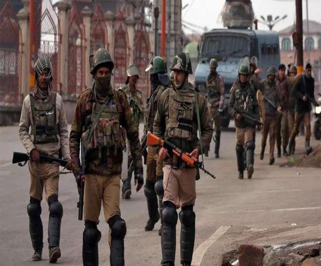 पाकिस्तान ने दी भारत को आतंकी हमले की सूचना, कश्मीर में हाई अलर्ट
