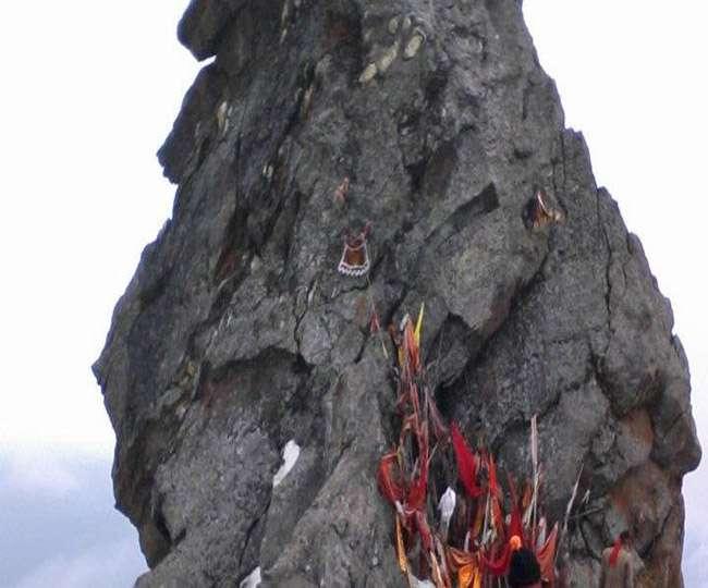 श्रीखंड महादेव यात्रा में जाओं में भू स्खलन होने से फंसे वाहन