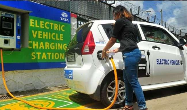 Image result for इलेक्ट्रिक वाहन की चार्जिंग के लिए इंफ्रास्ट्रक्चर बनाना एक बड़ी चुनौती