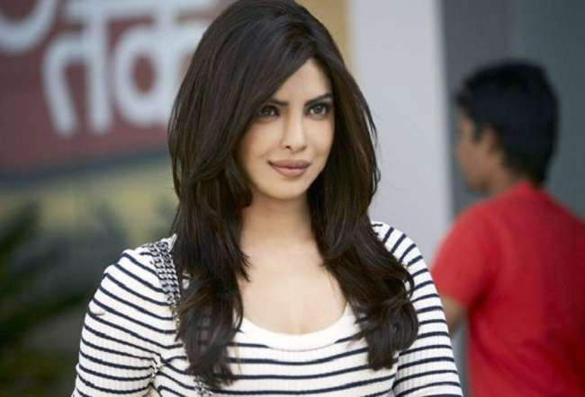Priyanka Chopra Returning in Bollywood after Long Time