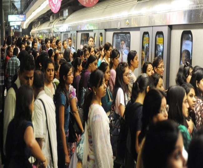 दिल्ली मेट्रो में महिलाओं के मुफ्त सफर को लेकर AAP सरकार ने चला यह बड़ा दांव
