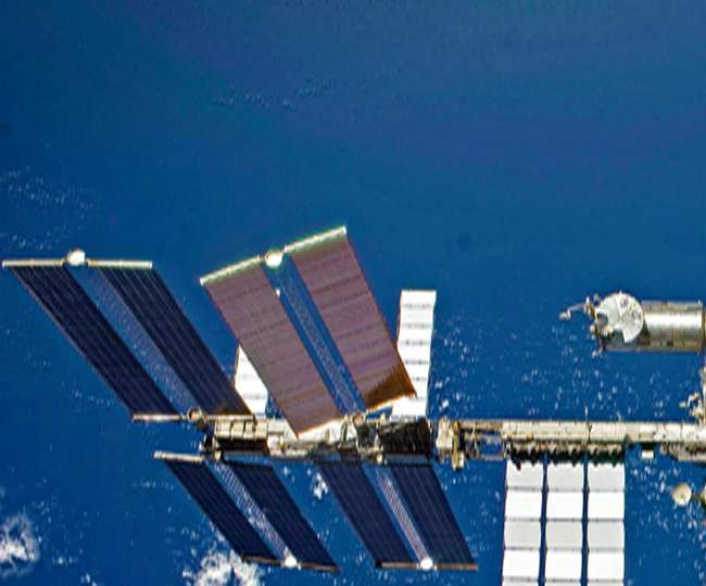 टुकड़ों में बंटा अंतरिक्ष यान, तीन यात्रियों की मौत