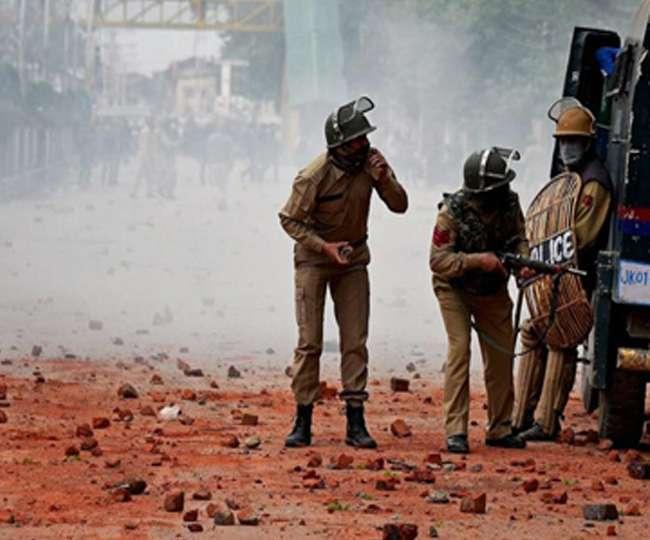 गणतंत्र दिवस से पहले दहशत फैलाने की साजिश, कश्मीर में तीन ग्रेनेड हमले