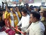 श्रद्धालुओं को रेल राज्यमंत्री ने समर्पित किया हेल्प डेस्क, ऑन लाइन करा सकेंगे टिकट बुक