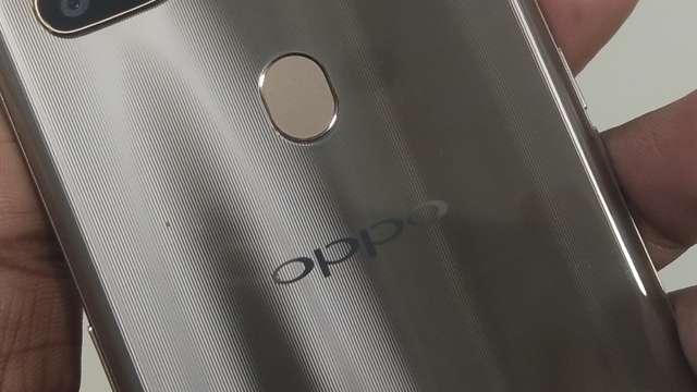 Oppo Christmas Offer: इस साल लॉन्च हुए इन स्मार्टफोन्स की कीमतों में भारी कटौती