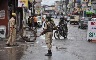 As opposition leaders head to Kashmir, administration requests them not to visit Valley