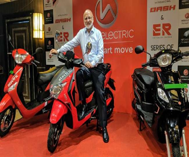 Hero launches stylish looking e-scooter 'Dash' at Rs 62,000