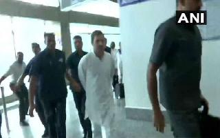 Rahul Gandhi-led opposition delegation sent back from Srinagar airport