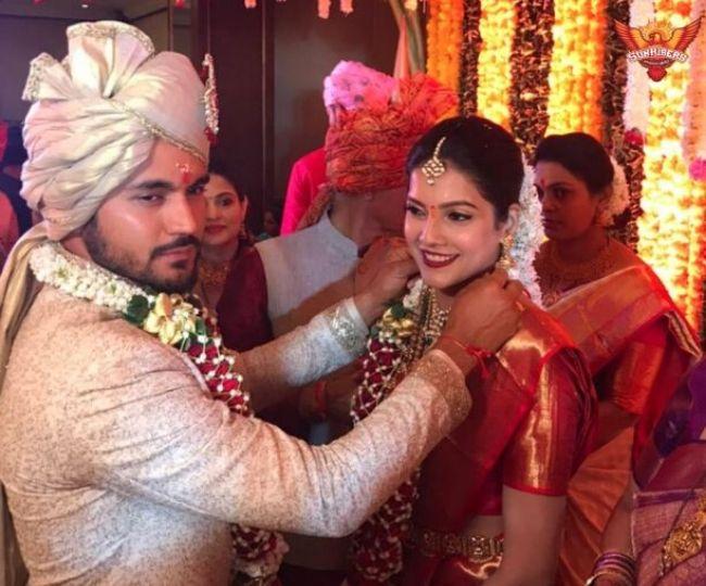 Manish Pandey ties nuptial knot with south Indian actress Ashrita Shetty | See pics