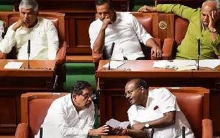 SC verdict leaves Karnataka govt hanging by a thread as HDK faces trust vote tomorrow