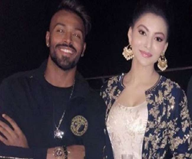 Urvashi Rautela Responds On Rumors Of Dating Hardik Pandya