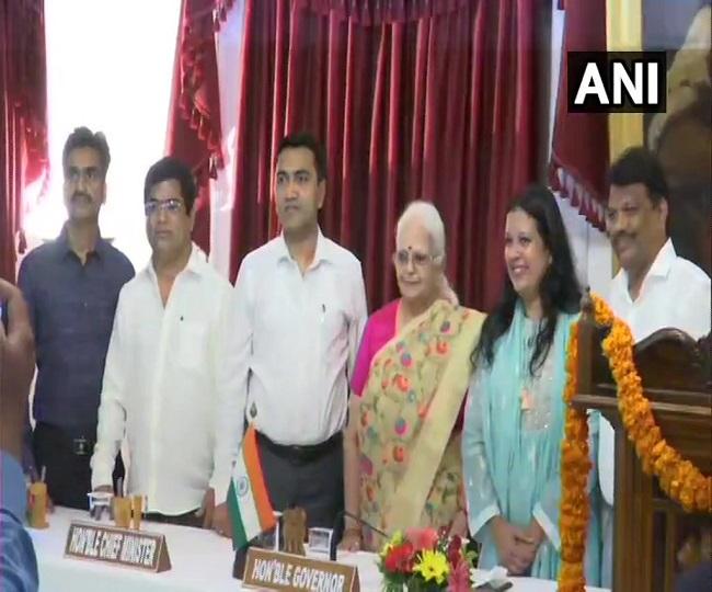 Three Congress rebels, one BJP MLA sworn in as Goa Ministers