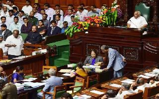 Karnataka Crisis LIVE: Speaker sets 6 pm deadline, rebels seek month's time to meet him
