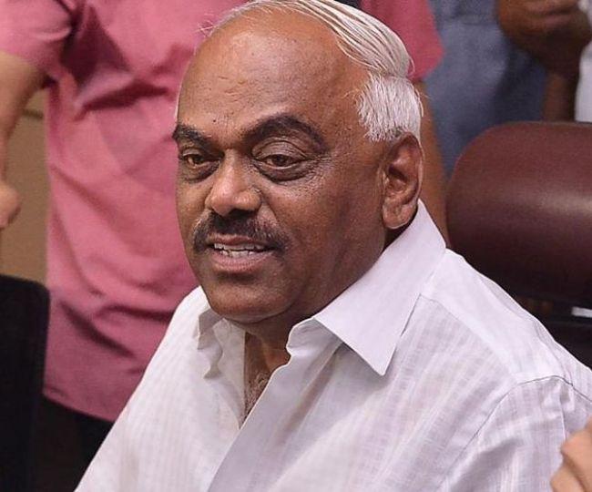 Karnataka Crisis: BJP and Congress to move their MLAs to Bengaluru resorts