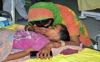 Deaths due to Encephalitis in Muzaffarpur now stand at 100, Bihar govt..