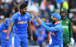 India vs Pakistan LIVE, WC 2019: Pakistan moves ahead cautiously after..