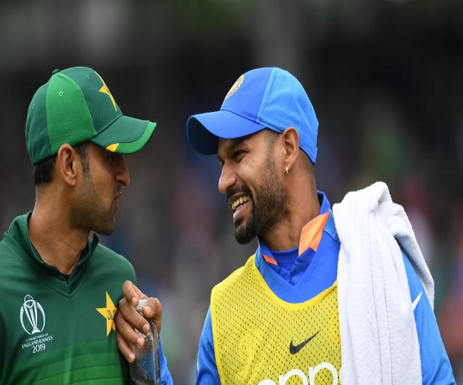 WC 2019 | India vs Pakistan: This is how injured Shikhar Dhawan helped his teammates