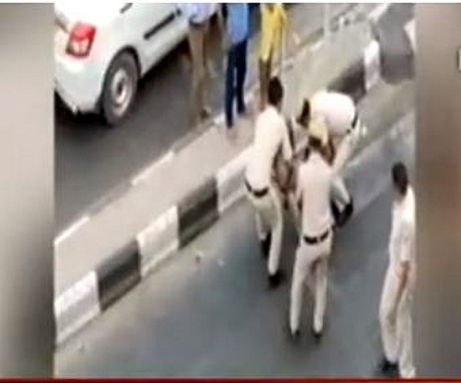 MHA seeks report from Delhi Police over video of cops thrashing a tempo driver