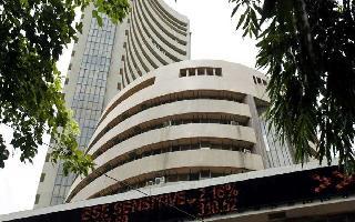 Sensex down 400 pts, closes at 38,709.95 as investors rush to book profit ..