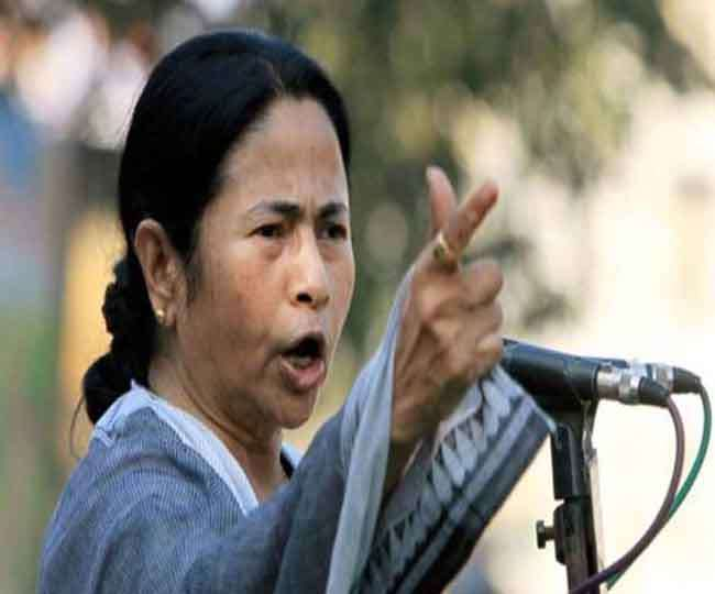 2019 Lok Sabha Elections: Mamata attacks EC, says clamping article 324 unconstitutional