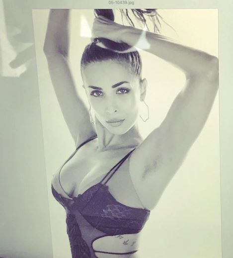 Malaika Arora's armpit picture burns Insta, here's how people reacted
