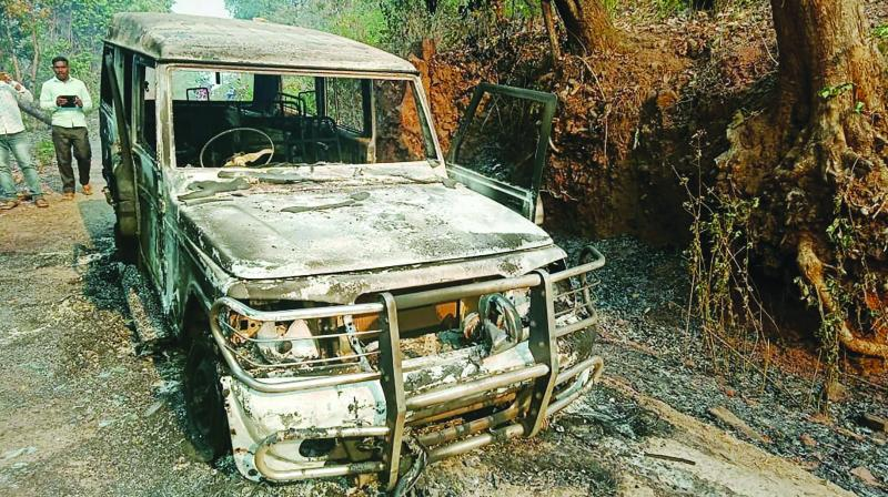 Odisha: Maoist torch road construction vehicle in Kalahandi district