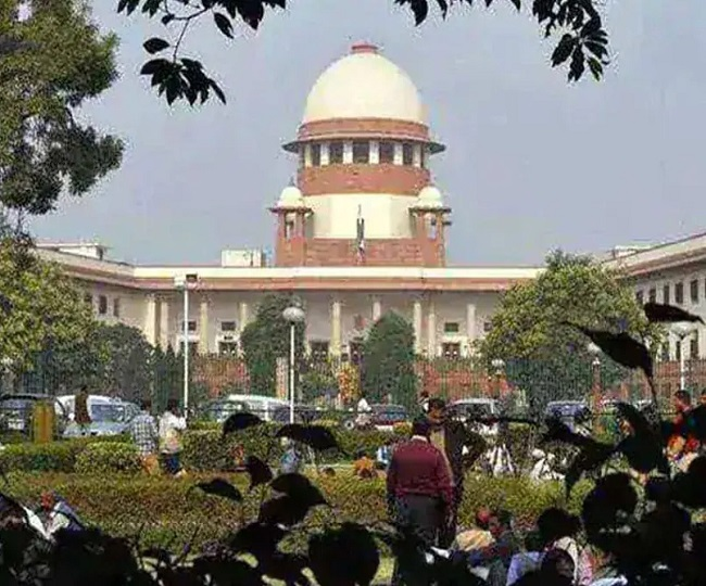 Ayodhya Case | Drama in SC as Rajeev Dhavan tears up map, says 'did it with CJI's permission'