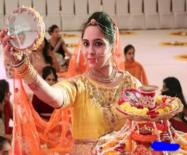 Karwa Chauth 2019: Here's all you need to know about date, timing and rituals