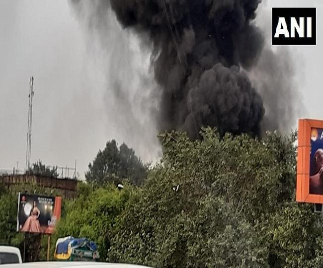Fire breaks in at godown in Delhi's Punjabi Bagh, 22 fire