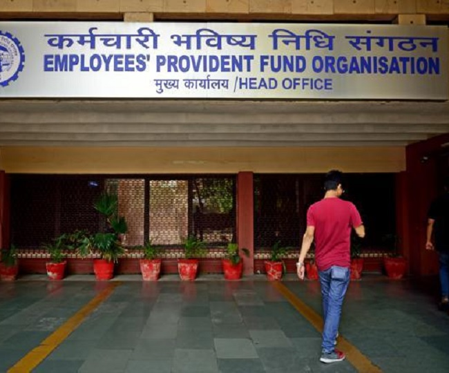 Govt raises EPF interest rate to 8.65 per cent for 2018-19