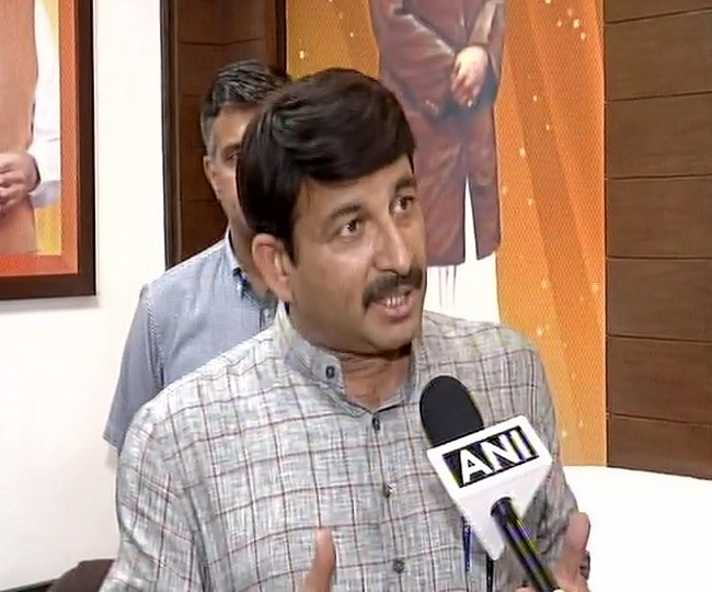 'Kejriwal has lost mental stability': Manoj Tiwari's retort to Delhi CM's NRC jibe
