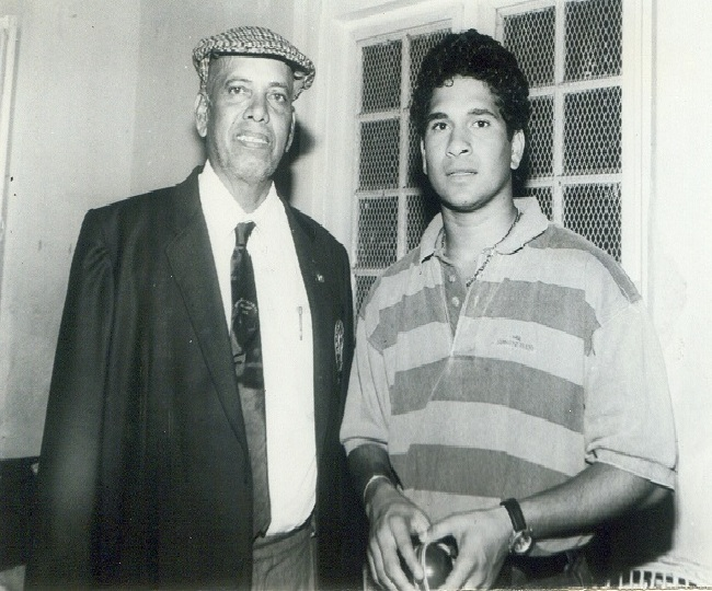 'He told me to play straight...': Sachin pays tribute to childhood mentor Ramakant Achrekar