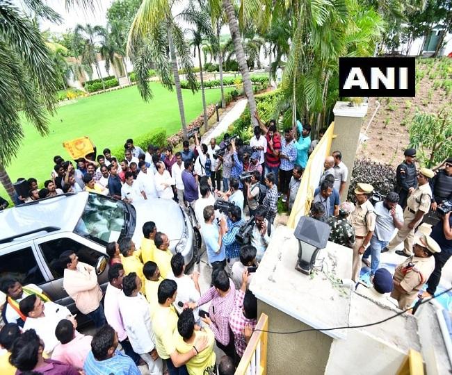 'Atrocious, unprecedented': Chandrababu Naidu, son under house arrest; cops lock gates