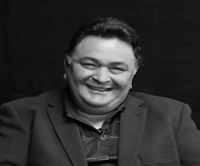 Rishi Kapoor loses battle of life to cancer, laid to rest at Mumbai's Chandanwadi; nation mourns evergreen star