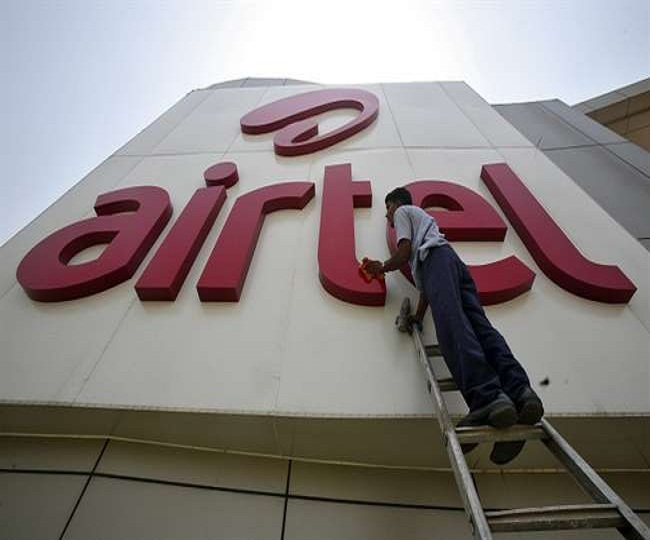 After SC rap, DoT orders telcos to clear dues immediately; Airtel offers to pay Rs 10,000 crore by Feb 20