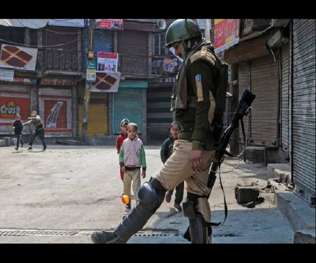 European diplomats check India's loosening of occupied Kashmir clampdown
