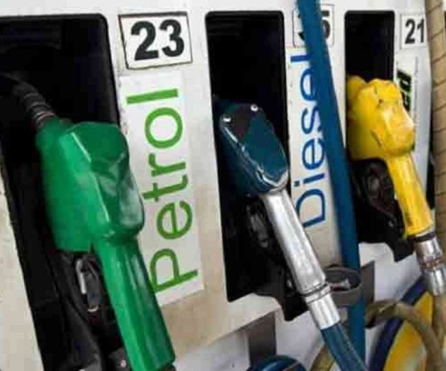 Petrol and Diesel price falls by Rs 4 in last one month, check details here
